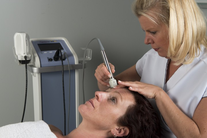 Plaatselijk FRACTORA behandelingen bij huidcoach Angenies